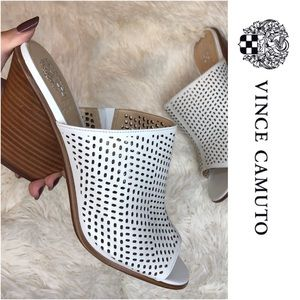 Vince Camuto White Mules   🛥